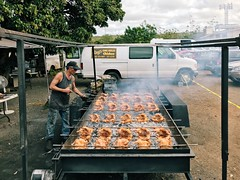 ray's kiawe broiled chicken. (howard-f) Tags: iphone iphoneography iphone7 iphone7plus hawaii oahu vsco vscocam vscogrid hawaiian northshoreoahu northshores haleiwa haleiwatown surftown chicken rayskiawebroiledchicken bbqchicken streetphotography hawaiianfood smokechickenbbq charcoal openpitbbq bbq chickendinner smokey