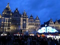 Grote Markt, Antwerpen (Stewie1980) Tags: antwerpen anvers antwerp belgië belgique belgien belgium grote markt gildehuizen gevels avond kerstmarkt kerst verlichting versiering market square christmas xmas lights decoration evening bluehour