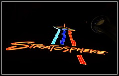 #-10 (VegasBnR) Tags: nikon sigma sign stratosphere vegas vegasbnr strip night nevada neon lasvegasblvd lasvegas gimp city