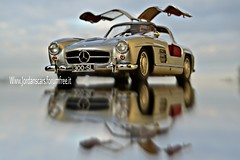 Mercedes-Benz 300 Sl Gullwing (MODEL CAR PASSION) Tags: mercedes benz mercedesbenz 300 sl ala di gabbiano ali gullwing 118 minichamps diecast jordanscars model cars models modelcar 118scale diecastphotography great old best new love mirror silver epoca asi stoccarda
