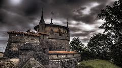 Un ciel rien que pour moi ! (Fred&rique) Tags: hdr lumixfz1000 photoshop raw allemagne tours château ciel nuages sombre paysage nature architecture