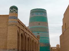 Le minaret Kalta Minor, à Khiva (Histoires de tongs) Tags: uzbekistan ouzbékistan tourdumonde travel trip roundtheworld adventure aventure voyage architecture découverte discover visite visit