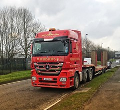 Mercedes Actros 544, AG11OAY Webster's Plant Haulage (LVNWtransFoto) Tags: 544 mercedes actros trailer haulage plant artic lowloader vehicle transport truck lorry newcastle kingstonpark webster'splanthaulage ag11oay iphone6splus