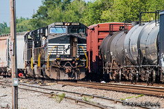 NS 9226 | GE C40-9W | NS Meridian Yard (M.J. Scanlon) Tags: ns9226 ns 130 meridian yard kcs freight ge c409w ns130 nsnonedistrict nonedistrict nsmeridianyard norfolksouthern mississippi tree sky digital merchandise commerce business wow haul outdoor outdoors move mover moving scanlon mojo canon eos engine locomotive rail railroad railway train track horsepower logistics railfanning steel wheels photo photography photographer photograph capture picture trains railfan