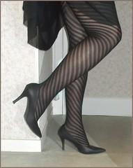 2018 - 01 - 28 - Karoll  - 005 (Karoll le bihan) Tags: escarpins shoes stilettos heels chaussures pumps schuhe stöckelschuh pantyhose highheel collants bas strumpfhosen talonshauts highheels stockings tights