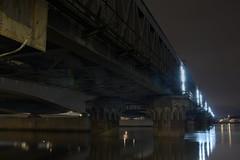 grande marée nocturne sur la Garonne (lignesbois) Tags: france nouvelleaquitaine gironde bordeaux pont construction garonne fleuve métal architecture nuit urbex pentax k3ii smcpentaxfa24f2