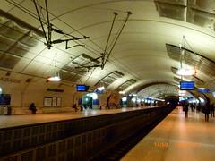 Paris Saint Lazare Hausmann ligne de RER EOL (thalyscc40110) Tags: rer paris quai caténaire isolateurs voûte éclairage