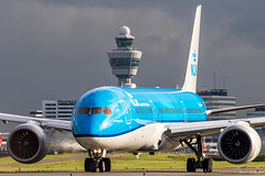 KLM B787 (Ramon Kok) Tags: aviation avgeek avporn airplane airport aircraft air airlines airline airfield amsterdam ams airways eham schiphol thenetherlands netherlands holland klm kl royaldutchairlines phbhi dreamliner 787 7879 boeing787 taxiway victor taxiwayvictor