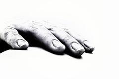 working-hand (Kati471) Tags: hand workinghand sw bw finger minimalistisch nägel