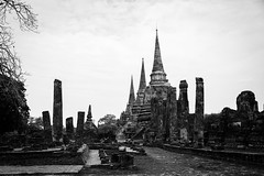 The old city-Ancient city in Bangkok to capture a perfect photography (Little Migrating Monkey) Tags: oldcity bangkok home glittering temples culture history famous tourist attraction thailand landscape photography cityscape travels wonderfulplaces travelblogger beautifuldestinations worldtravelbook longexposure longexposureoftheday longexposurephotography colorsoftheworld thebestcapture worldplaces travelandlife awesomeearth outdoorphotography photooftheday