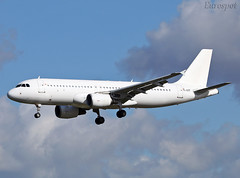 YL-LCT (@Eurospot) Tags: yllct airbus a320 toulouse blagnac smartlynx