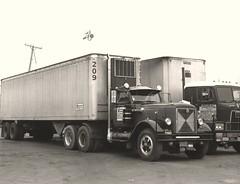"IH ""West Coaster"": Overland Exp (PAcarhauler) Tags: ih international semi tractor trailer truck"