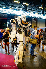 Japan Expo 2017 4e jrs-368 (Flashouilleur Fou) Tags: japan expo 2017 parc des expositions de parisnord villepinte cosplay cospleurs cosplayeuses cosplayers française français européen européenne deguisement costumes montage effet speciaux fx flashouilleurfou flashouilleur fou manga manhwa animes animations oav ova bd comics marvel dc image valiant disney warner bros 20th century fox star wars trek jedi sith empire premiere ordre overwath league legend moba princesse lord ring seigneurs anneaux saint seiya chevalier du zodiaque