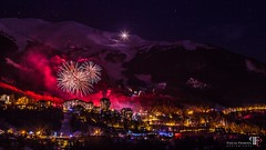 Fireworks over the Orres Resort, Hautes Alpes, France (pascalfraboul.photo) Tags: feuxartifice fireworks hautesalpes highalps hiver lesorres lesorresresort montagne mountains neige night nuit pascalfraboul show snow spectacle winter