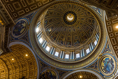 Inside St. Peter's Basilica (part III) (Greg @ Montreal) Tags: stpetersbasilica basiliquesaintpierre church eglise cathedrale cathédrale basilique rome roma italie italiy europe voyage travel inside ray rays rayons rayon plafond ceiling nikon nikonpassion d7100
