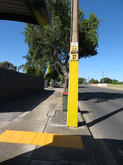 Bus Stop 37 - North East Rd, Modbury (RS 1990) Tags: adelaide teatreegully modbury valleyview southaustralia northeastrd friday 19th january 2018 busstop 37