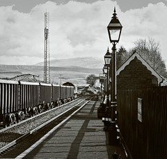Verticals (whosoever2) Tags: uk united kingdom gb great britain nikon d7100 train railway railroad february 2018 ribblehead class66 dbcargo dbs yorkshire 66142 6e95 newbiggin milford gas lamp station
