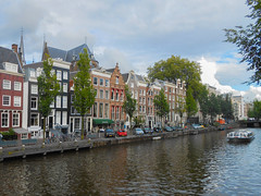 Amsterdam (carmenmaniega) Tags: amsterdam cannal canal houses buildings casas edificios architecture holiday