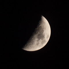 Moon (kyliepics) Tags: olympus e520 evolt520 olympuszuikodigital70300mmf4056 darktable