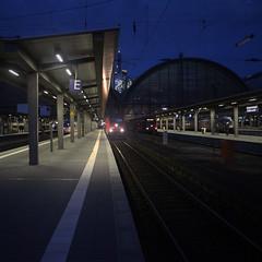 another kind of blue (peter.heindl) Tags: frankfurt hauptbahnhof nacht night train station am main blaue stunde germany deutschland denk ich an fujinon ebc fujinonsw 238272 25mm