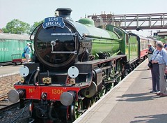 WANSFORD 190605 1306 (SIMON A W BEESTON) Tags: yarwell nvr nene valley railway lner b1 mayflower 1306 locomotive train railroad car