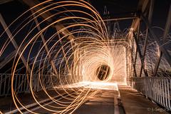 Túnel de fuego (Yorch Seif) Tags: titulcia puente noche night nocturna nocturnal largaexposicion longexposure lightpainting