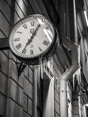 19:05 (pilot3ddd) Tags: stpetersburg clocks ice universityembankment winter olympusomdem5markii olympusmzuiko1240mmf28pro