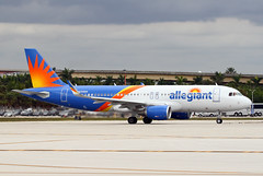A320.N255NV (Airliners) Tags: allegiant allegiantair 320 a320 airbus airbus320 airbusa320 fll n255nv 12018