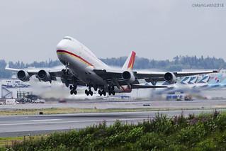 Yangtze River Express, Boeing 747-481(BDSF), B-2437.