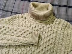 Classic honeycob woolen turtleneck (Mytwist) Tags: bgwagner aran sweater market irish fisherman cable knit turtleneck timeless designed style fetish fashion bulky modern