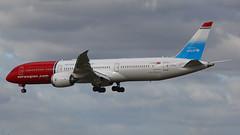IMG_4993 G-CKLZ (biggles7474) Tags: egkk lgw london gatwick airport gcklz boeing 787 b7879 b789 dreamliner norwegian longhaul unicef