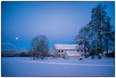 Morning Moon (Krogen) Tags: norge norway norwegen akershus romerike nannestad winter vinter måne moon krogen fujifilmx100