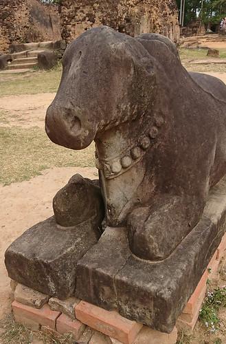 Preah Ko 聖牛廟
