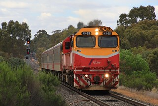 N465 powers out of Kangaroo Flat on a Melbourne bound Swan Hill service