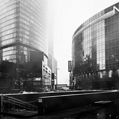Городской туман / Urban fog (Yuri Balanov) Tags: fog winter moscow russia moscowcity pentax pentaxk5iis bw bwphoto blackandwhite urban