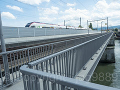 RHE349 Connecting Line Freight Railroad Bridge over the Hochrhein River, Basel, Canton Basel-Stadt, Switzerland (jag9889) Tags: 2017 20170905 bs basel bridge bridges bruecke brücke cff ch canton cantonbaselcity cantonbaselstadt crossing eisenbahnbrücke europe ffs fluss freight helvetia highrhine hochrhein infrastructure kantonbaselstadt outdoor pont ponte puente punt railtransport railroadbridge rein reno rhein rhin rhine rijn river sbb schweiz schweizerischebundesbahnen span stadtbasel strom structure suisse suiza suizra svizzera swiss swissfederalrailways switzerland train walkway wasser water waterway jag9889