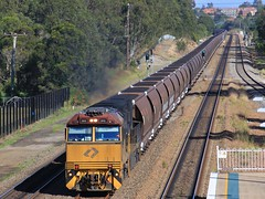 5012 tops Aurizon's Push Pull loaded WG954 coal into Metford (bukk05) Tags: 5012 railpage:class=127 railpage:loco=5012 rpaunsw5000class rpaunsw5000class5012 c40aci wg954 metford wagons explore export engine railway railroad railpage rp3 rail railwaystations railwaystation train tracks tamron tamron16300 trains qrn qrnational photograph photo loco locomotive horsepower hp ge ge7fdl16 flickr freight diesel station standardgauge sg spring australia artc signal smoke zoom aurizon aurizoncoal canon60d canon coal coaltrain nsw newsouthwales newcastle cityofnewcastle mainline 2017 world pushpull
