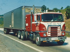 IH Transtar w/Drom Box (PAcarhauler) Tags: ih international semi coe tractor trailer transtar