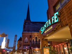 Santa Fe (13.02.2018) (Siebbi) Tags: santafe restaurant mexicanfood kiel sign mexikaner mexikanisch santafekiel mexicanrestaurant night nacht sky himmel blue blau