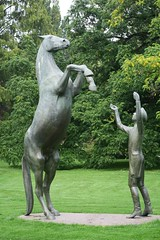 Celle Schlosspark (ow54) Tags: celle schlosspark sculpture skulpturen skulptur pferd horse