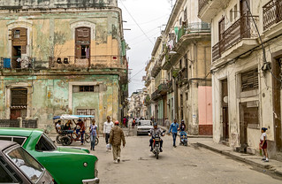 La Habana, people and colors.