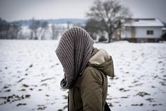 Keep Warm (CoolMcFlash) Tags: person woman scarf cold winter snow funny fujifilm xt2 jacket frau schal kalt frieren schnee lustig jacke fotografie photography xf35mmf14 r head kopf