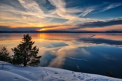 Hvervenbukta, Norway (Vest der ute) Tags: xt2 norway akershus sea seascape water landscape tree reflections mirror sky clouds snow ice winter afternoon sunset fav25 fav200