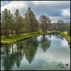 Canal de Briare France 45 (touflou) Tags: canal port briare reflets