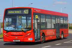SN60 ECA, London Heathrow, May 16th 2015 (Southsea_Matt) Tags: sn60eca dle18 route423 londonunited alexanderdennis enviro200 adl e200 easternperimeterroad londonheathrow greaterlondon england unitedkingdom passengertravel publictransport vehicle bus omnibus canon 60d 24105mm may 2015 spring