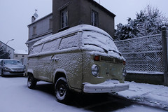 Camouflage (monsieur Burns) Tags: rx100 sonyphotographing vw
