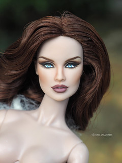 repaint fashion royalty Vanessa doll