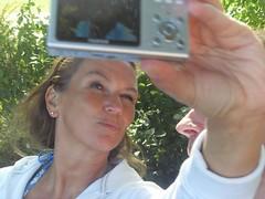 2008-09-20 21 Alsterweg, Anja knipst (kaianderkiste) Tags: anja annigrannini hamburg digicam fujiz5 fotografin photographer anni grannini aadk61