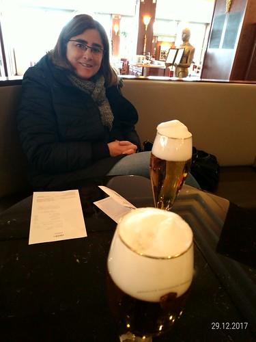 Espuma cremosa da cerveja alemã