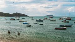 Orla Bardot (Jaime Sales) Tags: praia mar beach sea barcos bolts banhodemar azul blue rj riodejaneiro brasil brazil paisagem landscape
